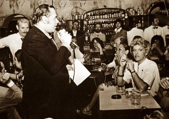 Tango singer at Bar Sur
